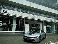 BMW Resmikan Mobil Listrik di Jakarta