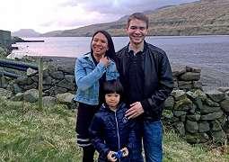 Kekurangan Populasi Wanita, Pria di Pulau Ini Cari Istri Ke Benua Lain