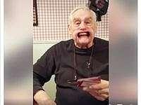 Ups! Video Lucu Kakek yang Gigi Palsunya Copot Ini Jadi Viral