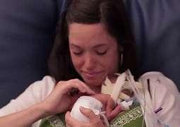 Foto Viral Seorang Ibu Dan Bayinya Jadi Sorotan Netizen Yang Membuat Takjub Karena Hal ini