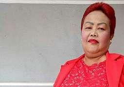Neti Herawati, Sosok Asli di Balik Wajah Bude Sumiyati Yang Viral